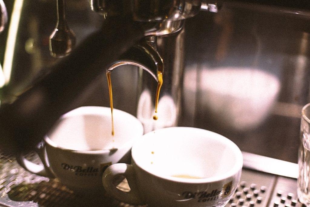 how to drink coffee like an italian
