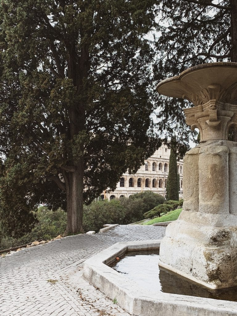 parco colle oppio leads to colosseum directly with a hidden and impressive view