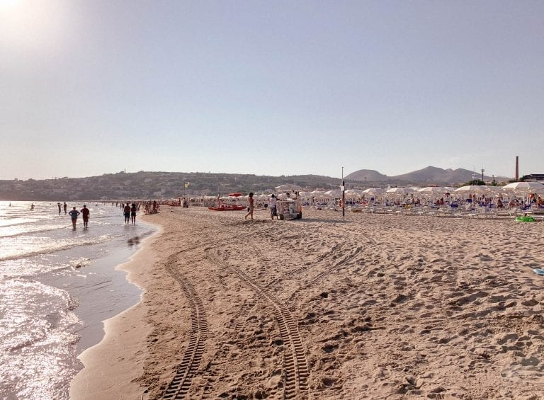 You can walk the whole Gaeta beach and enjoy the day