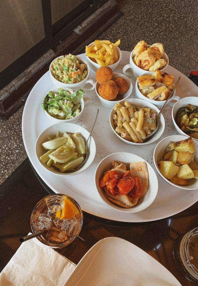 Milan style Aperitivo dinner in Rome can be realized in Momart restaurant which they feed you too well and you will feel too guilt afterwards