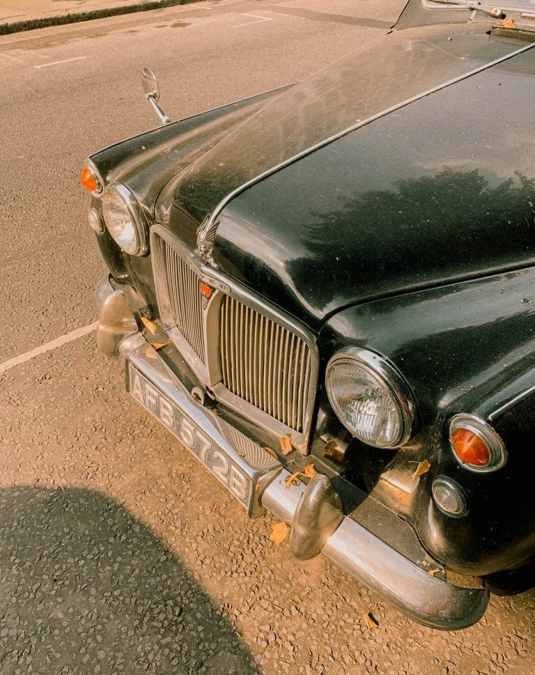 Vintage cars near Notting Hill just bring more delight to our London city adventure
