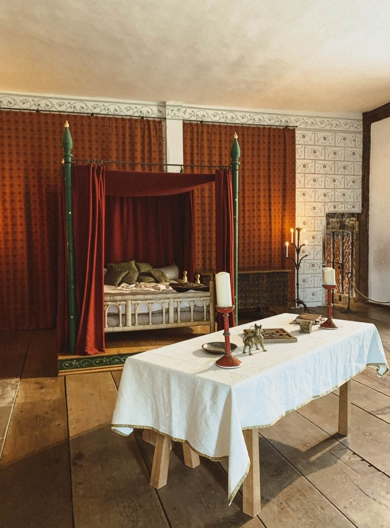 """""""Minimalism"""" King's Room to be visited in Tower of London"""