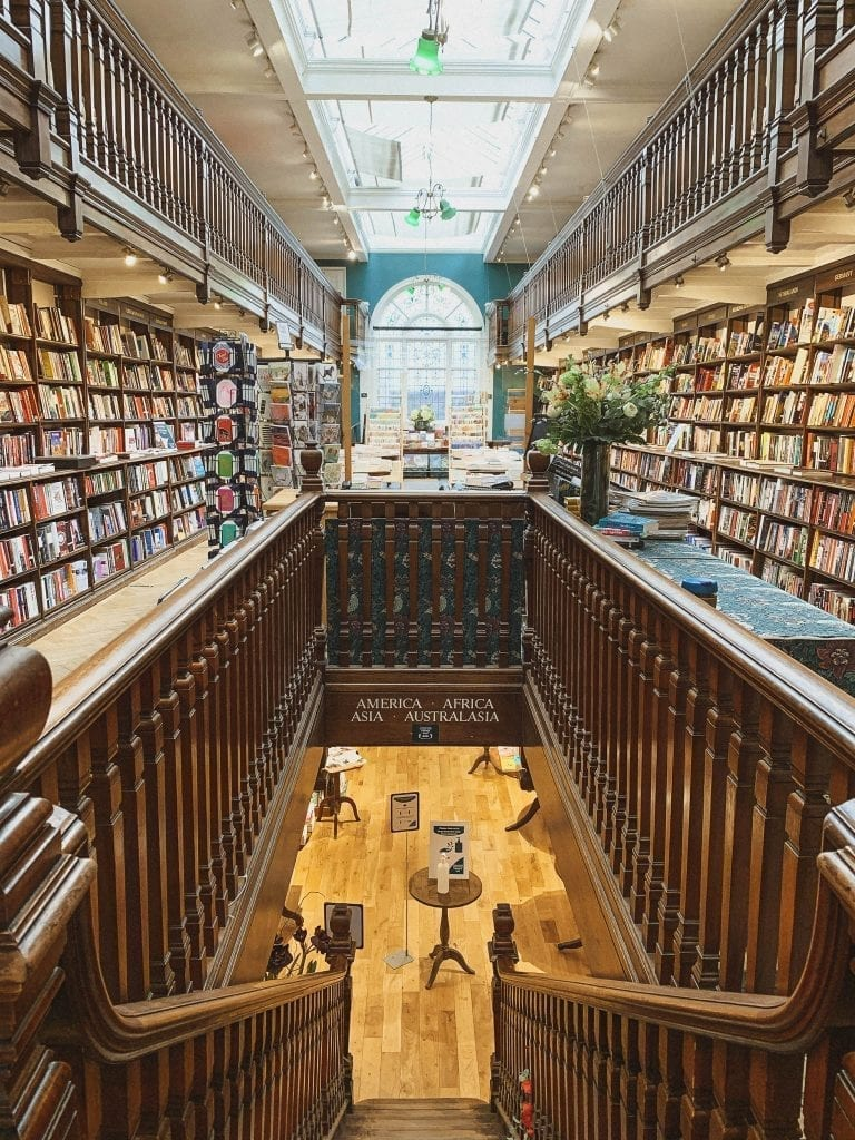 Daunt Books is London's famous independent book shop in Marylebone neighborhood, where you can find all interesting books well organized by countries and even a rich collection of precious vintage books.