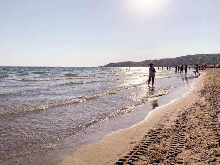 Stay a bit longer until the sunset on the Gaeta beach (Gaeta Spiaggia Serapo) because you will not regret for this stunning golden moment.
