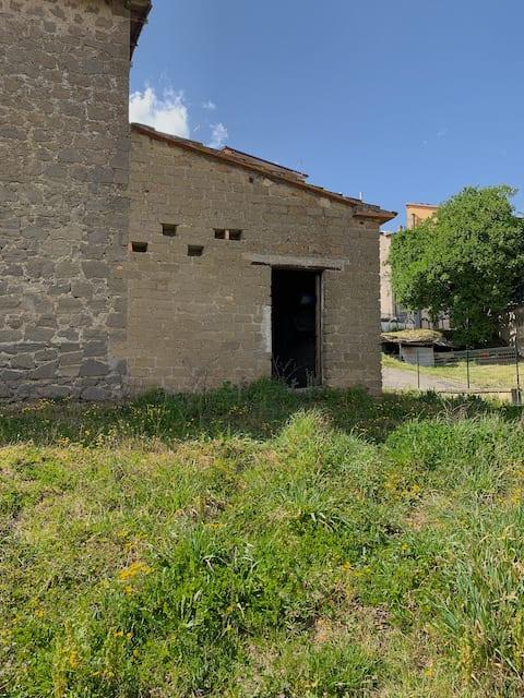 the abandoned Italian villa in Montefiascone